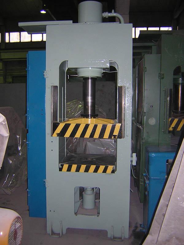 Д2430 Пресс гидравлический для изготовления изделий из пластмасс