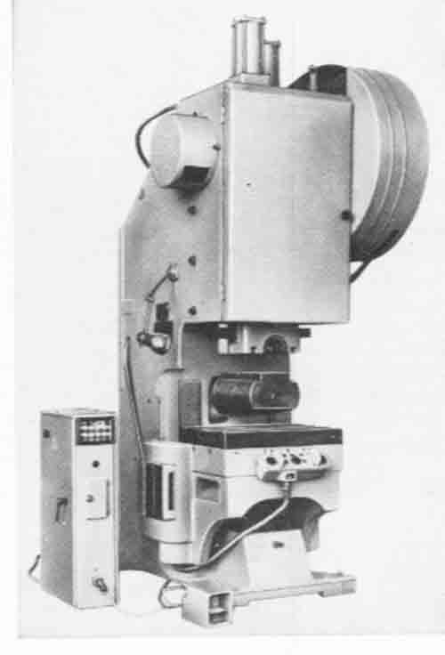 КД1426 Пресс однокривошипный простого действия открытый с передвижным столом
