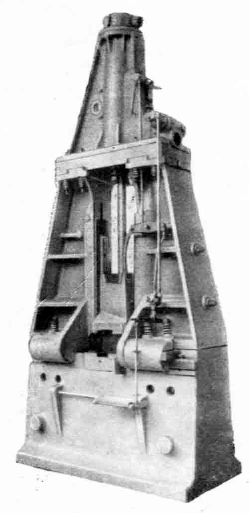 М211 Молот ковочный паровоздушный двойного действия арочного типа.